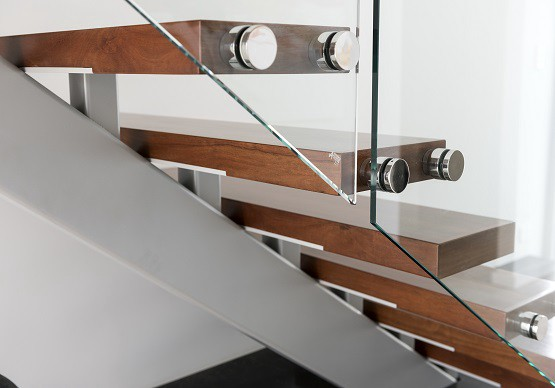 Decorate Your House With Glass Balustrades
